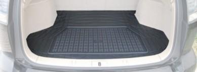 Přesně tvarované vany do kufru s vyvýšeným okrajem